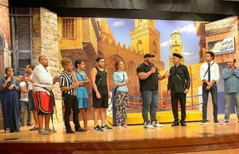 أشرف عبدالباقي يستقبل بطل العالم في كمال الأجسام بمسرح مصر