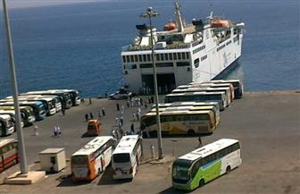 النقل: وصول وسفر 2372 راكبا وتداول 1049 شاحنة بموانى البحر الأحمر