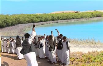 """""""العبابدة"""".. قبائل بدوية تعود لتراثها وتمارس مهنة الصيد بعد تراجع السياحة وانتشار كورونا"""