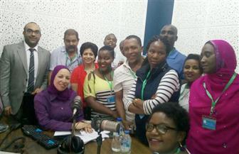 وفد الدورة المتقدمة للإذاعيين الأفارقة  يشاهد عرض الصوت والضوء بالأهرامات
