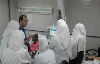 فريق من طب المنصورة يقدم خدمة علاجية بوحدة الغسل الكلوي بمستشفى برج البرلس
