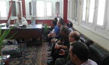 رئيس مركز قطور يطالب بتحصيل مستحقات الدولة | صور