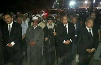 الأنبا أغابيوس يشارك في جنازة الرائد محمد سليمان شهيد الواحات | صور