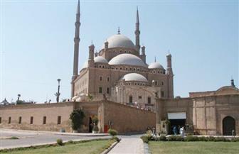 احتفالا بالعيد القومى للقاهرة.. المحافظ وعدد من الوزراء يؤدون صلاة الجمعة بالقلعة