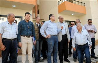 """وزير الإسكان من الموقع: بدء تسليم وحدات """"دار مصر"""" بمدينة الشروق"""