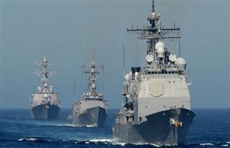 مدمرة أمريكية تساعد سفينة صيد إيرانية هاجمها قراصنة