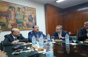 """لطفي بوشناق يصل لمقر المؤسسة لبدء ندوة """"بوابة الأهرام"""""""