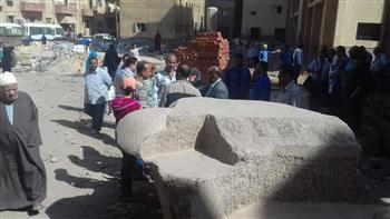 نقل بقايا تاج أثرى عثر عليه بأرض مستشفى سمنود المركزى إلى المتحف المصرى | صور