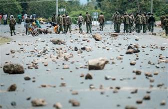 العنف يدفع بتأجيل التصويت بأربع مناطق في الانتخابات الرئاسية الكينية إلى بعد غدٍ