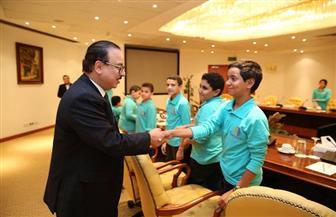 وزير الاتصالات يستقبل الفريق المصري المشارك في مسابقة استخدام الروبوتللكشف عن الألغام بماليزيا