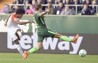 أوجسبورج يزيد من محنة بريمن ويتغلب عليه بثلاثية نظيفة في الدوري الألماني
