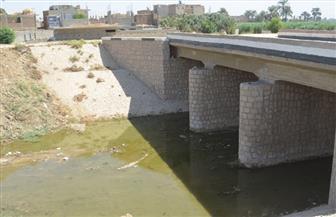 محافظ قنا: تطهير مخرات السيول بكافة مدن وقرى المحافظة|صور