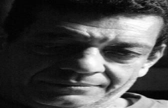 """التشكيلي محمد الطراوي يكشف عن ثنائيات """"هن"""" بمعرضه """"أون لاين"""""""