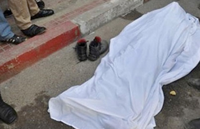 حاول التعدي على ابنته الأم ونجلتها وخطيبها قتلوا الزوج وأشعلوا النار في جثته