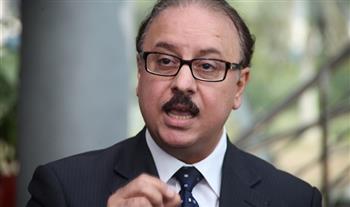 وزير الاتصالات يعود للقاهرة قادمًا من دبي