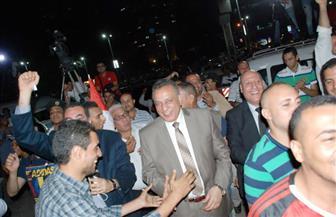 محافظ الجيزة يشارك المصريين فرحتهم بالوصول لكأس العالم | صور