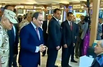 الرئيس السيسي يتفقد معرض المحاربين القدماء بمركز المؤتمرات بالتجمع الخامس