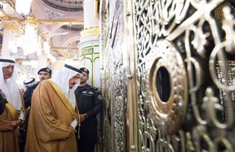 بإجمالى 7 مليارات ريال.. الملك سلمان يستهل مشروعاته فى المدينة المنورة بزيارة المسجد النبوى | صور