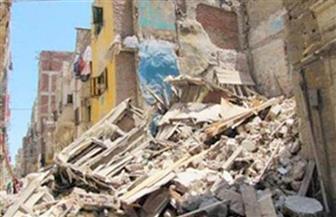 انهيار أجزاء من عقار قديم وسط الإسكندرية بسبب الأمطار