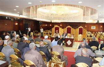 مدير أمن دمياط يعقد اجتماعًا مع عمد ومشايخ الأحياء والقرى| صور