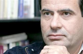 """عزت القمحاوي لـ""""بوابة الأهرام"""": """"يكفي أننا معا"""" رواية خارج الانشغالات السياسية"""
