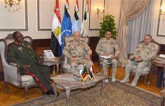 الفريق محمد فريد يلتقى قائد القوات المسلحة الزامبية لبحث التعاون العسكري