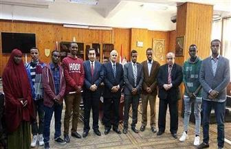 رئيس جامعة طنطا يستقبل الطلاب الوافدين من الصومال | صور
