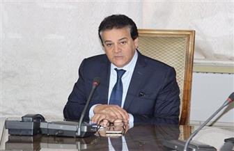 وزير التعليم العالي يستعرض تقريرا حول احتفالات 6 جامعات بذكرى انتصارات أكتوبر