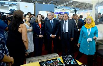 """عارضون: """"الأهرام"""" نظمت معرض الحرف اليدوية بشكل عالمي.. والمبيعات تضاعفت مع الإقبال الشديد"""