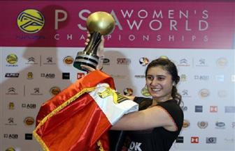 نور الشربيني.. شابة مصرية تحقق الإنجازات العالمية داخل الملاعب الزجاجية | صور