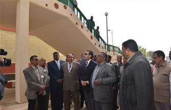 افتتاح كوبري للمشاة أعلى السكة الحديد بمدينة أسيوط بتكلفة 6 ملايين جنيه   فيديو وصور