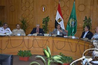 محافظ الإسماعيلية يشكل لجنة لبحث مشاكل النقل الداخلي