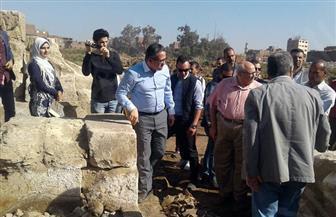 وزير الآثار يتفقد موقع الحفائر بمنطقة عرب الحصن.. ويؤكد: المنطقة بها كنوز دفينة| صور
