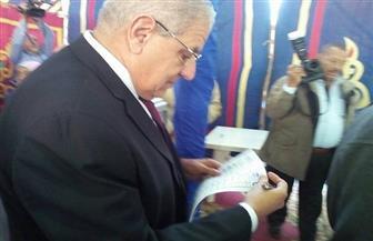 رئيس الوزراء السابق يدلى بصوته في الجمعية العمومية للمقاولون العرب   صور