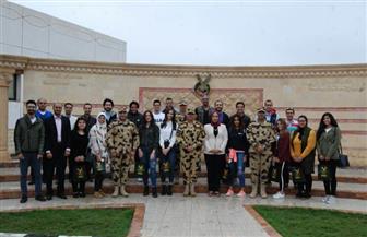 الهجرة تنظم يومًا لشباب المصريين بالخارج مع أبطال الصاعقة المصرية