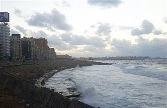 """نوة """"عيد الميلاد"""" تغرق الإسكندرية وتتسبب في غلق الميناء لليوم الثالث"""