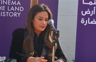 هند صبري تبكي في ندوة تكريمها بالقاهرة السينمائي.. وتؤكد: فخورة بكل عمل قدمته