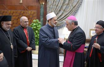 البابا يوفد سفير الفاتيكان بالقاهرة ليعزي الإمام الأكبر في ضحايا مسجد الروضة بالعريش
