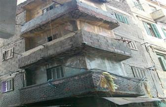 سقوط أجزاء من عقار قديم باللبان بالإسكندرية دون إصابات | صور