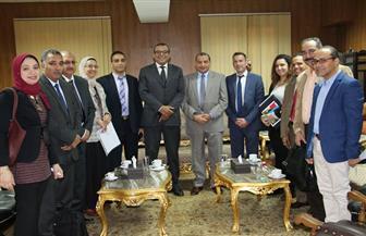 رئيس جامعة بنى سويف يستقبل المستشار العلمي للسفارة الفرنسية لبحث سبل التعاون | صور