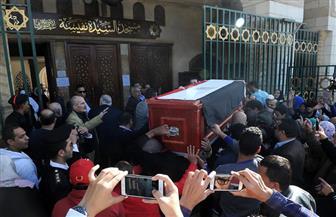 """تنظيم حركة المرور أمام مقابر البساتين قبل وصول جثمان """"شادية"""""""