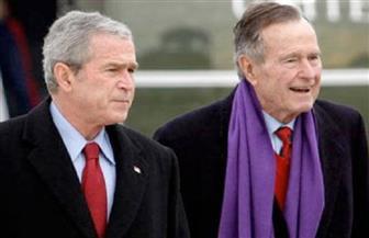 """مؤلف كتاب """"آخر الجمهوريين"""" : بوش الأب والابن لم يصوتا لترامب"""