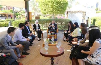 عبدالعزيز يلتقي أعضاء لجنة الشباب والطفولة بالأمم المتحدة.. ويطالبون بإشراك الشباب في صنع القرار