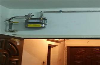 بدء عمل التوصيلات وتركيب عدادات الغاز الطبيعي في المنازل بكفر الزيات | صور