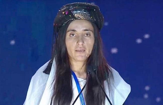 مأساة فتاة عراقية مع  داعش  تنتزع دموع المشاركين بمنتدى الشباب العالمي -