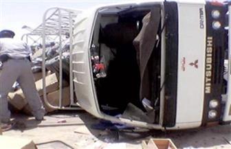 بالأسماء.. ارتفاع ضحايا حادث انقلاب ميكروباص بطريق إدفو الصحراوي إلى 4 وفيات و10 مصابين
