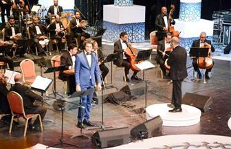 محمد محسن.. خبرة الوقوف على المسرح وجرأة وثقة في الاختيارات الغنائية