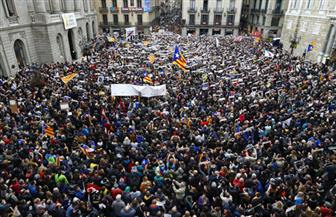 إضراب عام في كتالونيا يؤدي إلى إغلاق الطرق