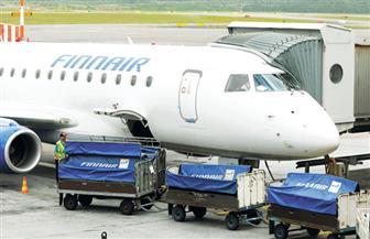 """شركة طيران أوروبية تبدأ """"وزن المسافرين"""" قبل الرحلة.. والسبب"""