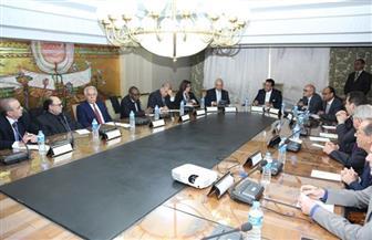 وزير التعليم العالي يبحث توفير مقر دائم لجامعة سنجور بالإسكندرية